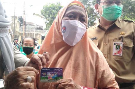 Bank DKI Salurkan 42.265 Kartu Lansia dan Penyandang Disabiltas Jakarta