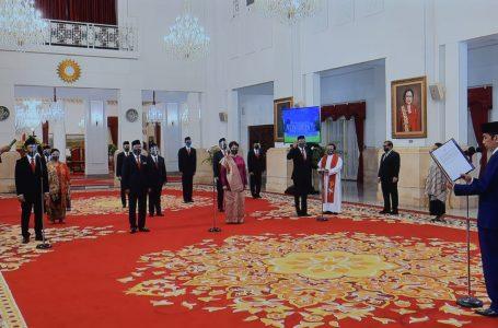 Jokowi Lantik 12 Duta Besar RI untuk Negara Sahabat