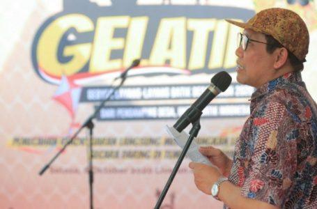 Kemendes PDTT Pecahkan Rekor Dunia Terbangkan Layang-layang Batik