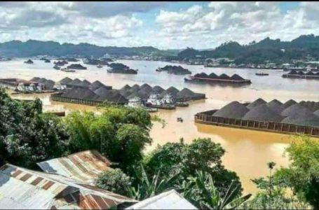 Sawit, Tambang, dan Penggundulan Hutan Biang Bencana di Kalsel